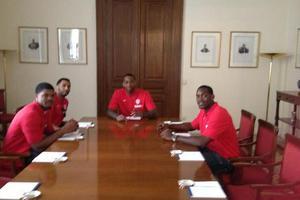 Ο Τζος Πάουελ σε «σύσκεψη» στο Προεδρικό Μέγαρο