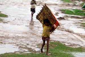Έφτασε στο Μπαγκλαντές ο κυκλώνας Μαχάσεν