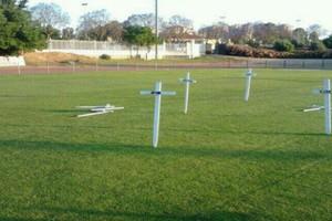 Έκαναν το γήπεδο νεκροταφείο