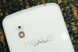 Έρχεται λευκή έκδοση του Nexus 4