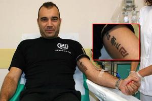 «Έκανα τατουάζ το Sieg Heil γιατί μου άρεσε η γραμματοσειρά»