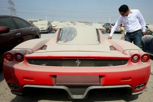 Η κρίση χτυπά και το Ντουμπάι