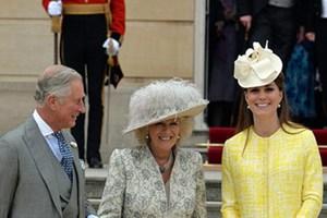 Στο garden party της βασίλισσας η Κέιτ