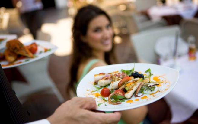 http://s.nbst.gr/files/1/2013/05/23/restaurant.medium.jpg