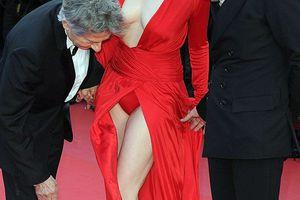 Ασορτί το φόρεμα με το... εσώρουχο
