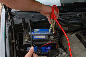 Φόρτιση της μπαταρίας από άλλο όχημα