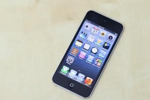 H Αpple προσθέτει χρώματα και κάμερα στο νέο 16GB iPod Touch