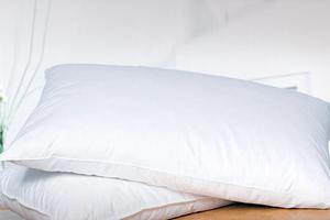 Τα παλιά μαξιλάρια ευθύνονται για ακμή και αλλεργίες