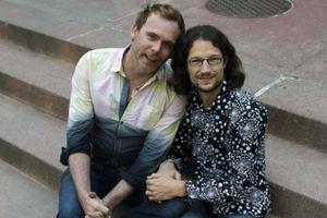 Ζευγάρι ομοφυλόφιλων μηνύει ιδιοκτήτη ζαχαροπλαστείου