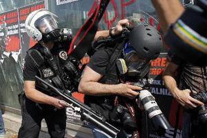 «Ανάρμοστη η συμπεριφορά της τουρκικής αστυνομίας στους διαδηλωτές»