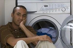 Οι δικαιολογίες των αντρών για να μη βάλουν πλυντήριο
