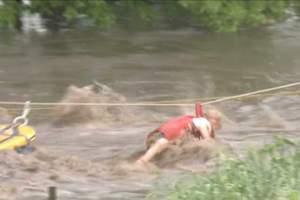 Διάσωση τρίχρονης από τις πλημμύρες