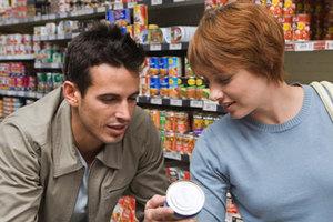 Τα ψώνια των δύο φύλων στο σούπερ μάρκετ