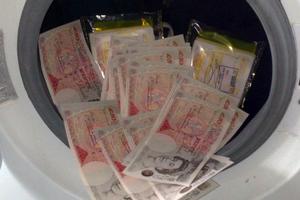 Πώς το βρώμικο χρήμα αγοράζει το κύρος της Μεγάλης Βρετανίας