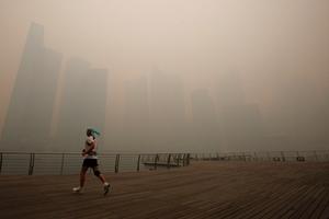 Χαμένη στην ομίχλη η Σιγκαπούρη