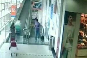 Τη σκότωσε ένα καροτσάκι μέσα σε σουπερμάρκετ
