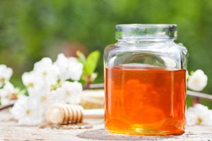 Φυσική κρέμα με μέλι για το λαιμό