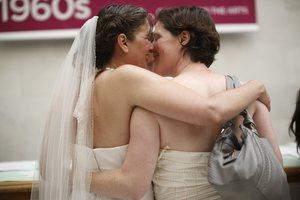 Αντιδράσεις για τους γάμους ομοφυλοφίλων στην Καλιφόρνια