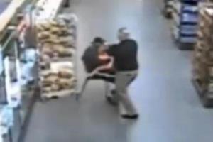 Αστυνομικός πυροβολεί στο κεφάλι απαγωγέα που κρατά παιδί όμηρο στην αγκαλιά του
