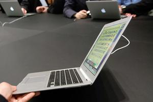 Η Apple στέλνει updates για το πρόβλημα στο WiFi των MacBook Air