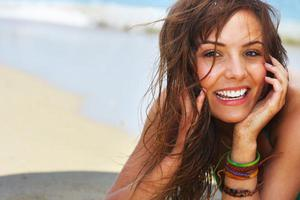 Πώς να αντιμετωπίσετε την ξηρότητα των μαλλιών σας