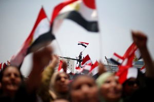Η Τεχεράνη καταδικάζει την επέμβαση του στρατού στην Αίγυπτο