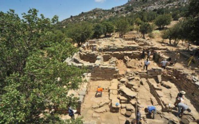 Στο φως μεγαλόπρεπο συγκρότημα στην αρχαία Ζώμινθο