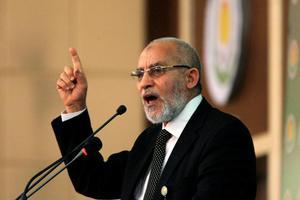 Τρίτη καταδίκη σε ισόβια κάθειρξη για τον ηγέτη της Μουσουλμανικής Αδελφότητας