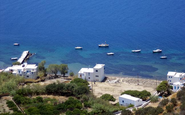 Μήλος: Πως θα κάνετε οικονομικές διακοπές στο νησί; Δείτε την απόλυτη λίστα