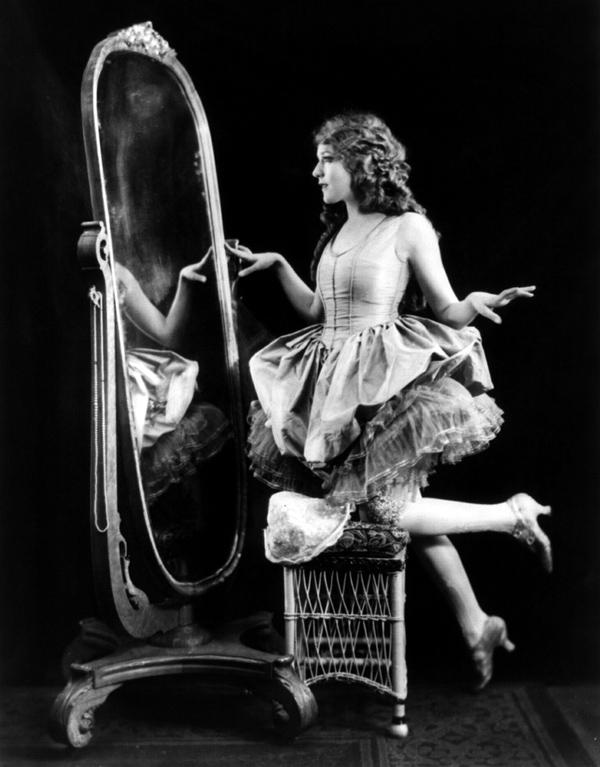 Знаменитые фотографии XX века - часть 4. (209 фото) (1 часть) .