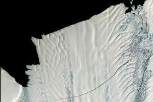 Αποκολλήθηκε γιγάντιο παγόβουνο στην Ανταρκτική