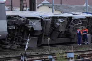 Στους 7 οι νεκροί από το σιδηροδρομικό δυστύχημα στη Γαλλία