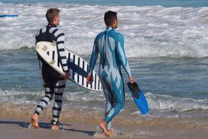 «Αόρατη» στολή προστατεύει από επιθέσεις καρχαριών