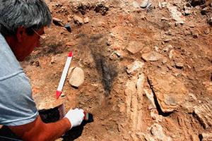 Ένδειξη για μνημειακούς τοίχους στη Γερόνησο