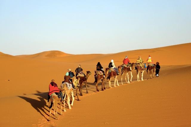 Η ομορφότερη ίσως, έρημος στον κόσμο κρύβεται μέσα στην αχανή έρημο της Σαχάρα...Μαγευτικές εικόνες!