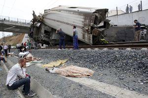 Στους 69 οι νεκροί του σιδηροδρομικού δυστυχήματος