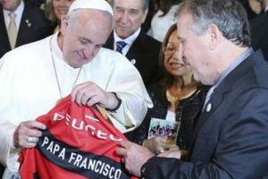 «Συμπαίκτης» του Ζίκο ο Πάπας!
