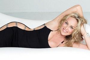 Δεν ενέδωσε στους πλαστικούς χειρουργούς η Sharon Stone