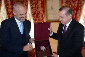 Πρώτη συνάντηση Ράμα με τον Ερντογάν
