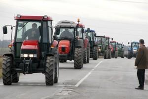 Παρεμβάσεις για την αποφυγή φορολόγησης αγροτών με υψηλούς συντελεστές