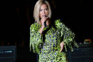 «Καταβρόχθισε» τα κοτόπουλα της Βρετανίας η Beyonce