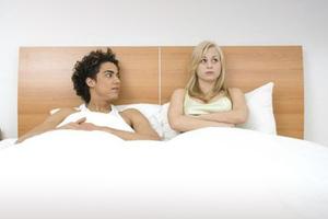 Η κρεβατομουρμούρα σκοτώνει τη σχέση