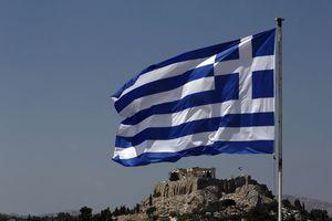Handelsblatt: Η Ελλάδα καταφέρνει να θέσει υπό έλεγχο τα οικονομικά της
