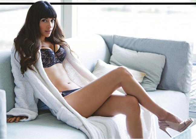 Coed Brittany Fuchs - Naked Women - Free