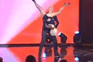 Η γηραιότερη χορεύτρια σάλσα