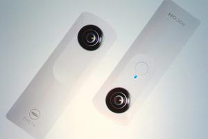 Σφαιρική κάμερα της Ricoh για πανοραμικές φωτογραφίες