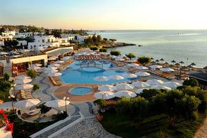 Νέο ρεκόρ 17,5 εκατ. τουριστών στην Ελλάδα