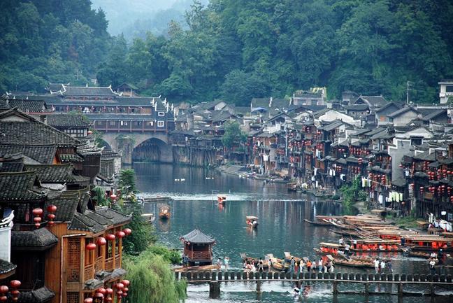 diaforetiko.gr : fenghuang14 Μια πόλη που δεν την έχει αγγίξει ο χρόνος