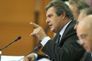 «Η Ελλάδα πρέπει να αποκτήσει πίσω την εθνική της ανεξαρτησία»