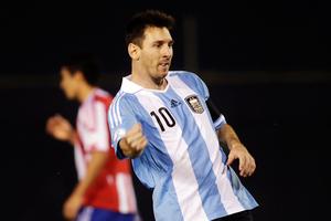 Δεν... αφήνει την Αργεντινή ο Μέσι